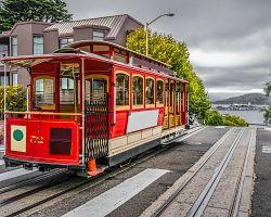 Světově proslulé červené tramvaje