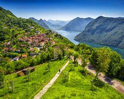 Lugano leží na břehu jezera