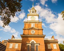 Detail věže Independence Hall ve Philadelphii