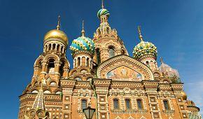 Pestrobarevný chrám Vzkříšení Krista na Krvi v Petrohradu