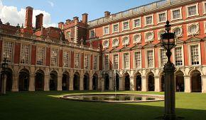 Tudorovské sídlo Hampton Court
