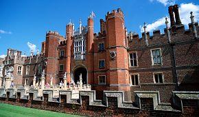 Sídlo Tudorovců Hampton Court