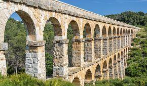 """Starověký akvadukt """"Pont del Diable"""""""