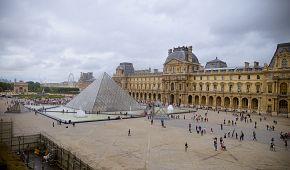 Slavné muzeum Louvre