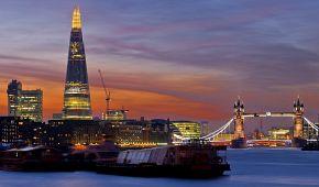 Noční panorama Londýna