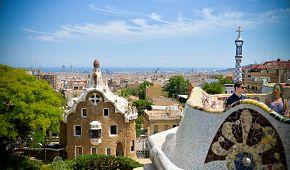 Výhled na Barcelonu z Gaudího parku