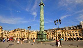 Place Vendôme je jedním z královských náměstí v Paříži