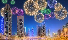 Dubai Marina v záři ohňostrojů