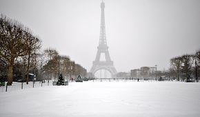 Eiffelova věž je magická v každém ročním období
