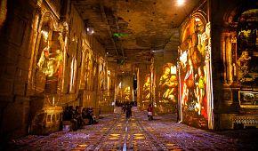 Velkolepá díla na stěnách lomu u Les Baux-de-Provence