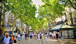 Místní atmosféra ulice La Rambla