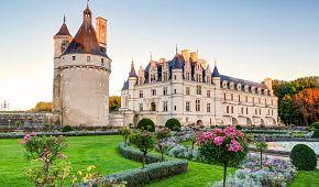 Romantický zámek Chenonceau v údolí Loiry