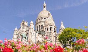 Rozkvetlý Montmartre a Sacré Coeur
