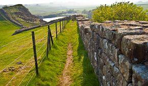 Hadriánův val se táhne napříč severní Anglií
