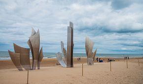 Památník na pláži Omaha