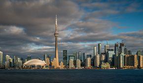 je nejvyšší budovou Kanady