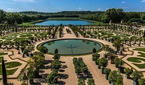 Oranžérie nacházející se v areálu zámku Versailles