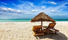 Zasloužený odpočinek na hotelové pláži