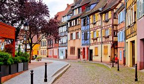 Barevné uličky v centru města Colmar