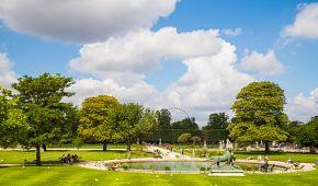 Tuilerijské zahrady jsou ideálním místem k odpočinku