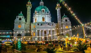 Adventní trhy před Karlskirche