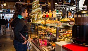 Nákup dobrot v tržnici San Miguel