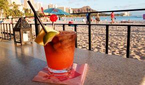 Nedali byste si koktejl na havajské pláži?