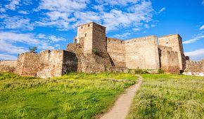 Monumentální hrad Heptapyrgio se tyčí nad Soluní