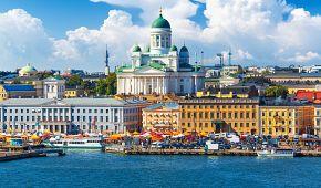Panorama Helsinek s historickou tržnicí Kauppatori