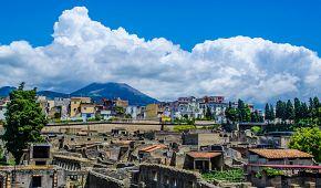 Antické město Herkuláneum u Neapole
