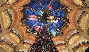 Vánoční výzdoba v obchodním domě Galeries Lafayette