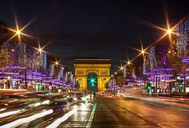 Adventní Paříž + NEJKRÁSNĚJŠÍ VÁNOČNÍ TRHY (letecky z Ostravy – Krakova)