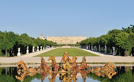 Pohled na Versailles a zahrady