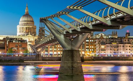 Milenium Bridge a St. Paul´s Cathedral