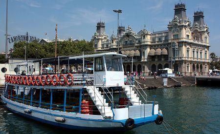 """Barcelonské výletní lodě  """"Golondrinas"""""""