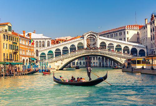 To nejkrásnější z Benátek + VERONA + CINQUE TERRE + LAGO DI GARDA (autobusem)