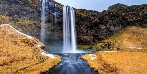 Zájezdy za přírodou na Island
