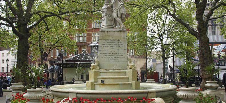 Socha Williama Shakespeara na Leicester Square
