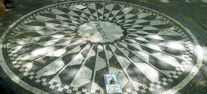 Mozaika Imagine na památku Johna Lennona ve Strawberry Fields