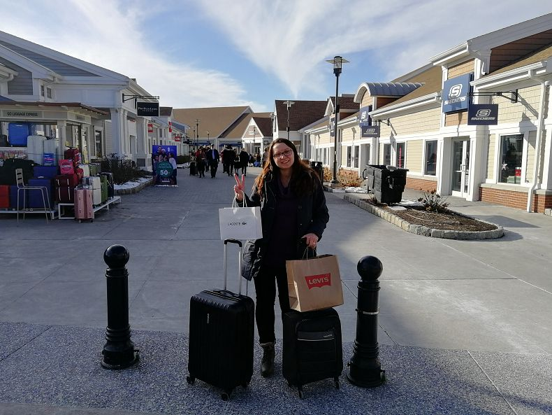 Nákupy ve Woodbury Common Premium Outlets