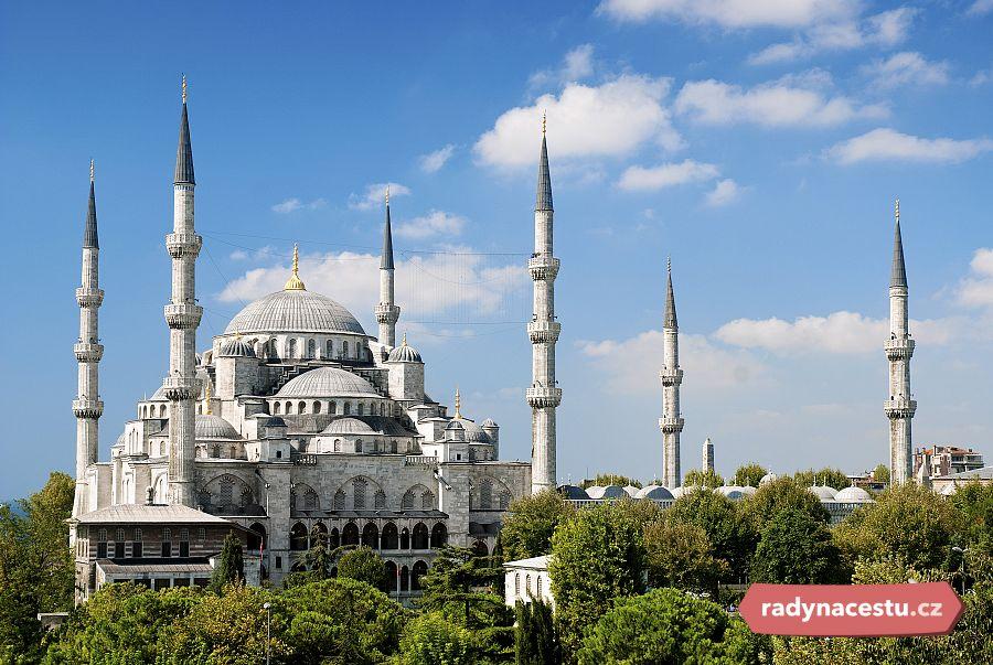 Modrá mešita: Kráska se šesti minarety | Magazín Radynacestu.cz