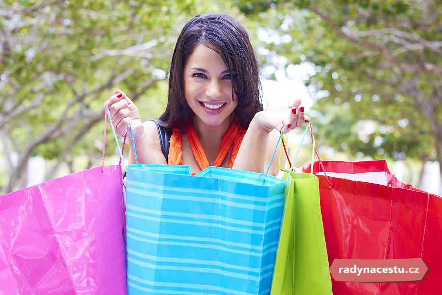 758eb852db4 Shopování v USA  Tipy na výhodné nákupy za oceánem. Kdy a kam pro ...