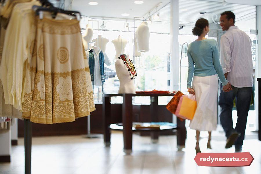 Shopování v USA  Tipy na výhodné nákupy za oceánem. Kdy a kam pro ... 82981d3cfe1