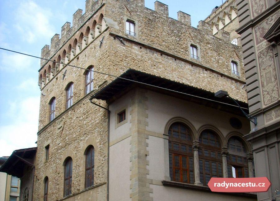 43a4a88e81307 Palazzo dell'Arte della Lana ve Florencii, kde sídlil cech tkalců vlny