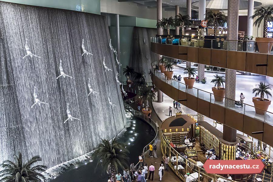 Dubai Mall  Největší obchodní centrum na světě s kluzištěm 197ccd0de79