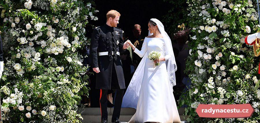 Meghan Harry Opet Ve Svatebnim Prohlednete Si Jejich Pohadkove