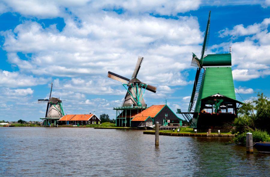 Nizozemí - Větrné mlýny v Zaanse Schans