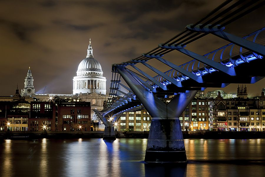St. Paul\'s a Millenium Bridge