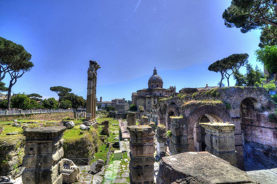 Rim_Forum_Romanum.jpg