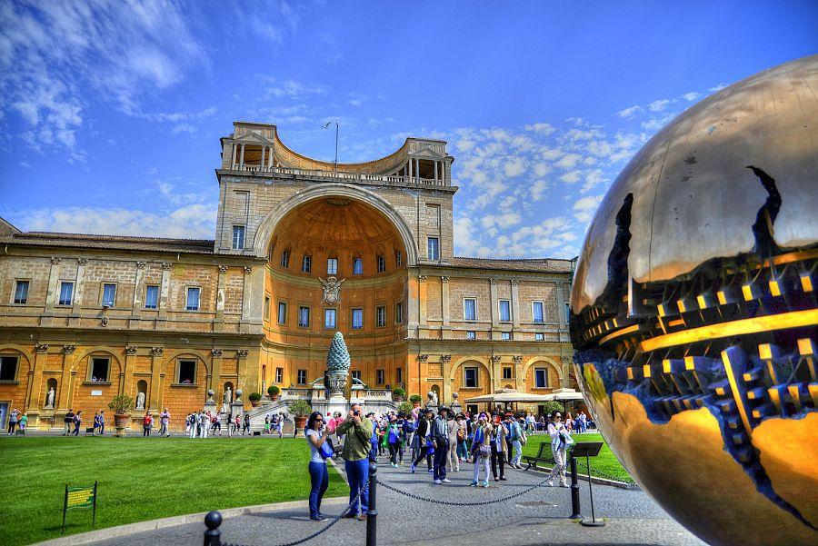 Rim_Vatikanska_muzea.jpg